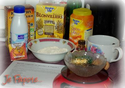 Les ingrédients pour les biscuits craquelés au chocolat