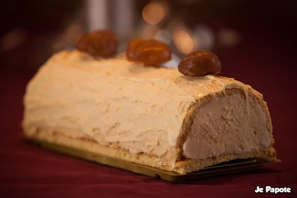 Bûche de Noël glacée à la vanille & marrons glacés