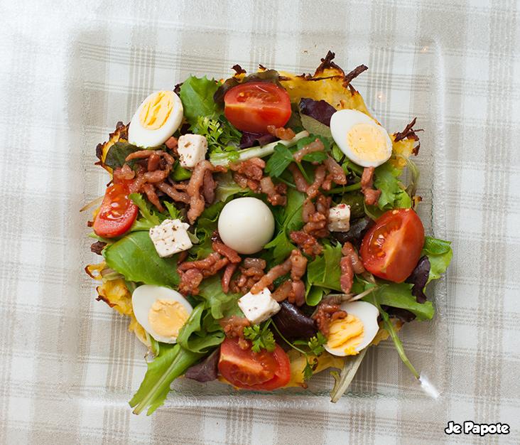 salade composée sur nid de pomme de terre