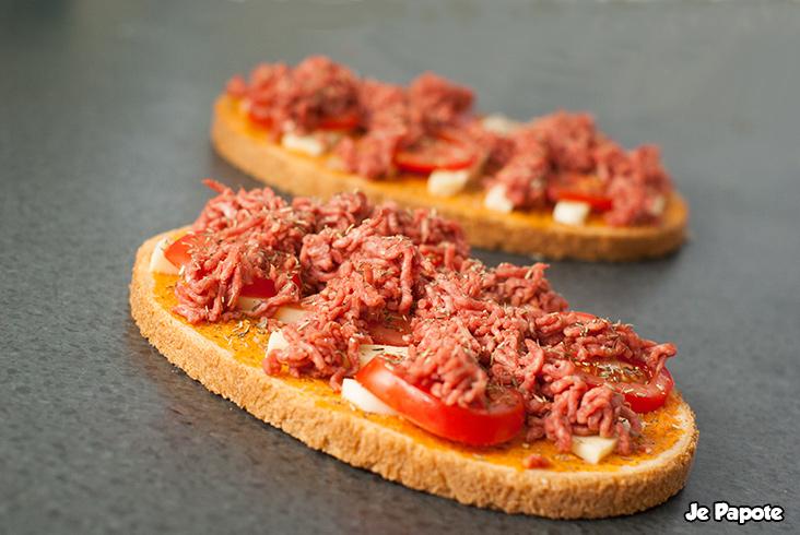 Bruschetta à la viande hachée