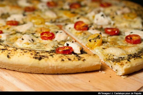 Pizza pesto et poulet