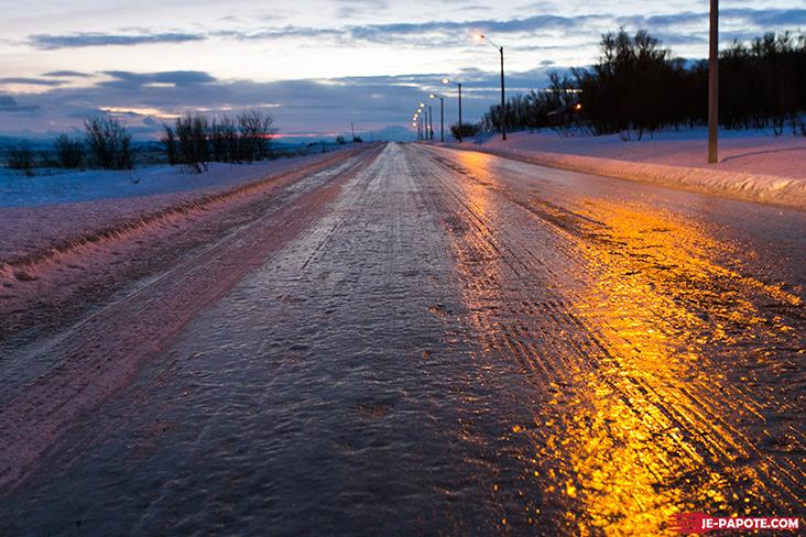 route verglacée