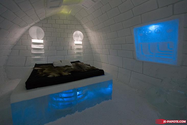 Art Suite It's Alive Ice Hotel
