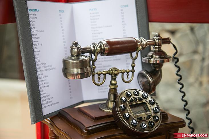Cabine téléphonique LUX*