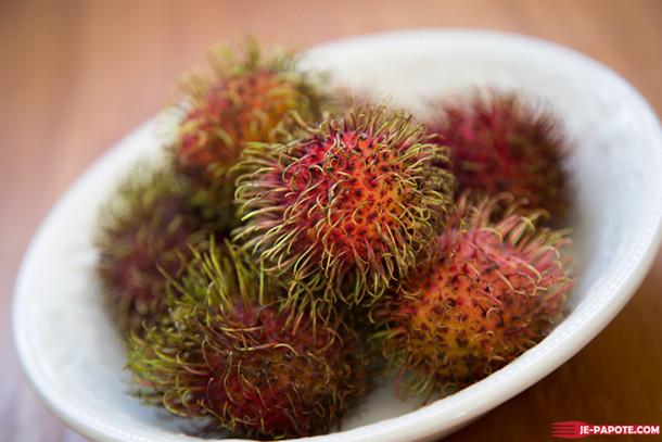 Comment manger un rambutan, ce litchi poilu ?