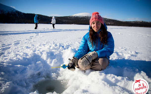 Pêcher sous la glace : Qui attrapera le plus gros poisson ?