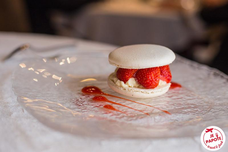 Macaron fraise vanille