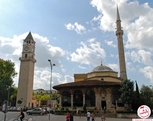 Tirana - la Tour de l'Horloge et la Mosquée Et'Hem Bey (XIXème)