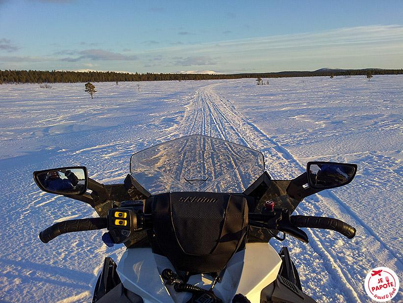 Motoneige Laponie