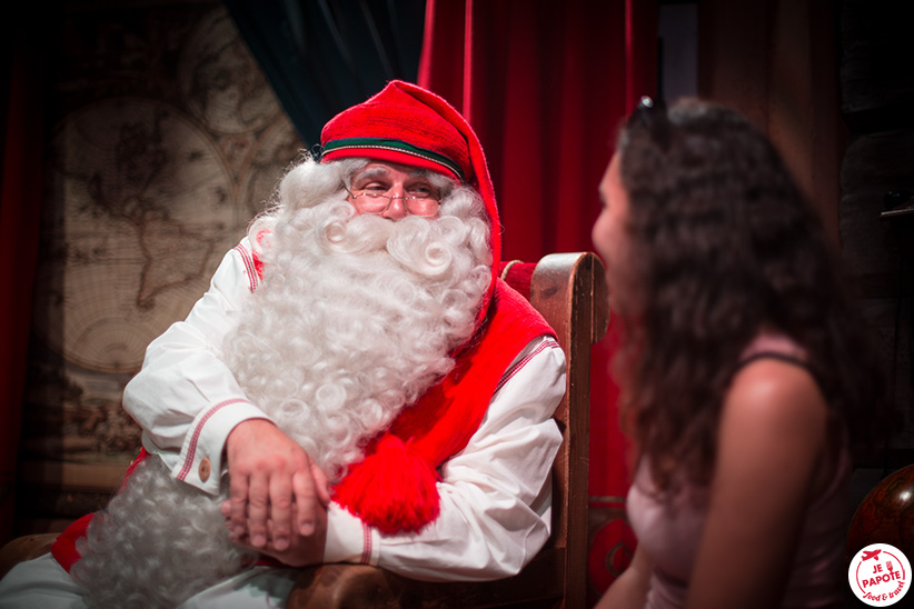 c901f963930f1 Chose également sympa à faire au village du Père Noël   franchir la ligne  qui symbolise le cercle polaire. En réalité le tracé n est pas exact mais  ...